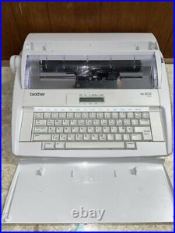 Brother ML 300 VTG Electronic Daisywheel Typewriter with Cover Tested & Working