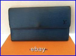 Louis Vuitton International Wallet Clutch EPI Blue Authentic Vintage CA0949
