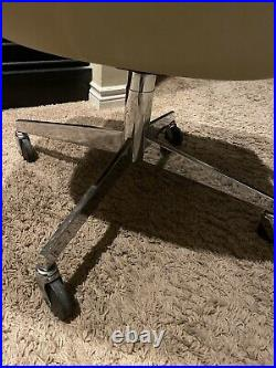 Rare Vintage 1976 Steelcase Tan Office Chair Bucket Seat Mid Century Modern 451