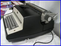 Refurb Vintage IBM Executive Model D Electric Typewriter withwarranty