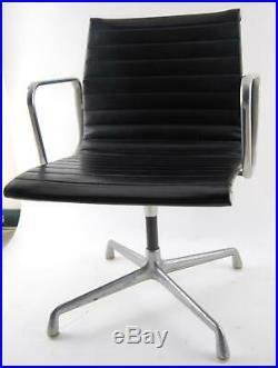 Vintage Herman Miller Eames Black Vinyl Office Desk Aluminum Group Chair (B)
