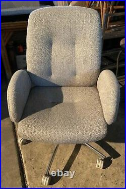 Vintage Steelcase Chrome / Fabric Swivel Office Chair with Armrest Model 4541774